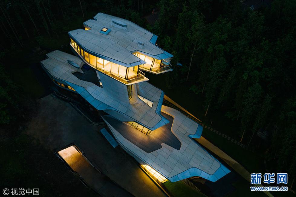 俄富豪私宅形似太空飞船 价值8.4亿历时10年终完工